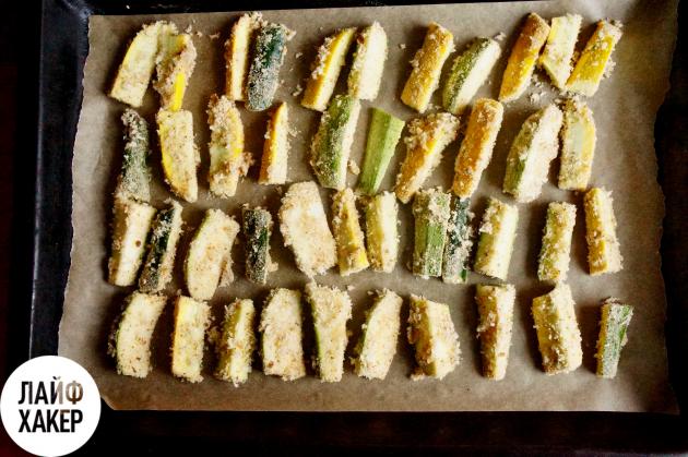 Что быстро приготовить на ужин: цукини, запечённые в белковом кляре