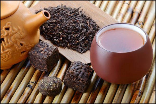 chinese-black-pu-erh-tea-and-tea-leaves-1