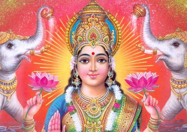 Лакшми — богиня богатства, приносит в наши дома богатство, счастье и любовь, благополучие и успех!