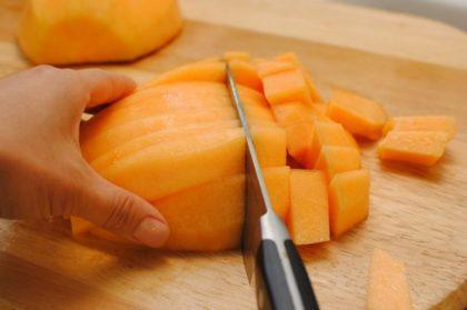 Внимание! Никогда не смешивайте эти 7 фруктов! Они могут стать причиной смерти детей …