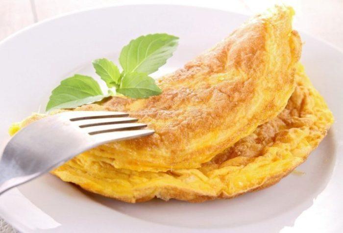 Необычный рецепт обычного омлета! Французский омлет матушки Пуляр- всего 2 ингредиента и оригинально вкусный омлет готов!